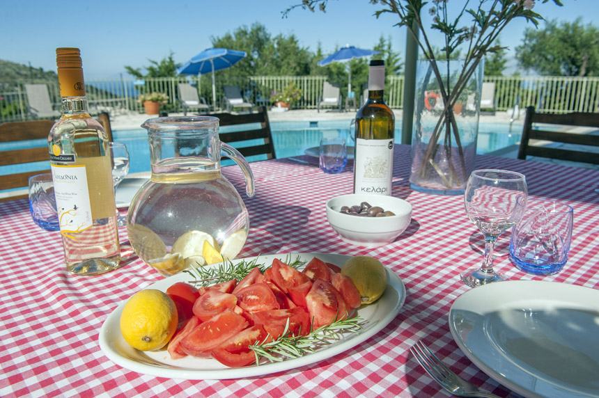 Villa Mylos Outdoor Dining