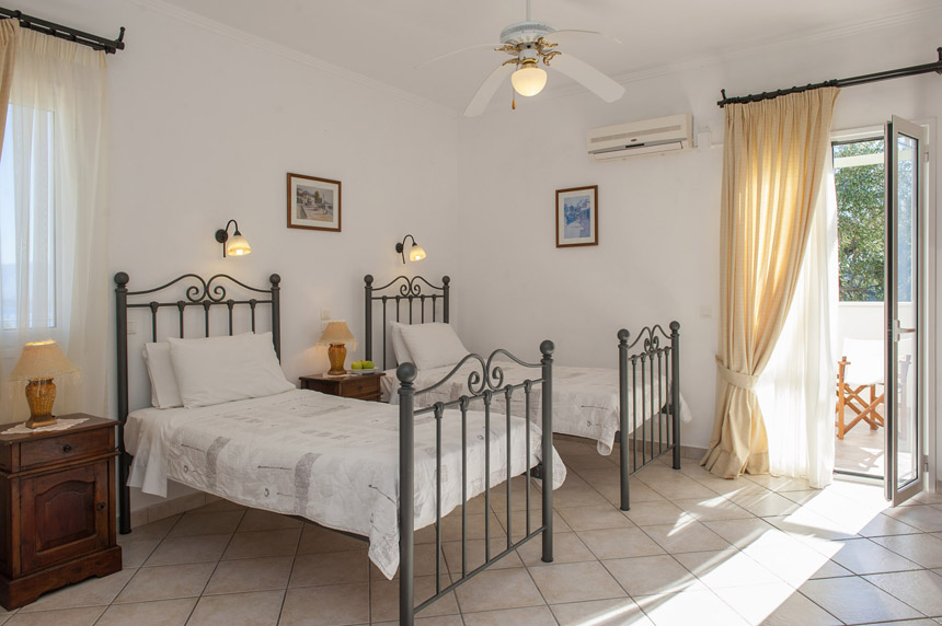 Villa Mylos Twin Bedroom
